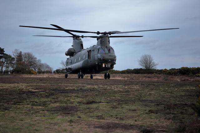 Chinook Helicopter on Caesar's Camp - 6D09755
